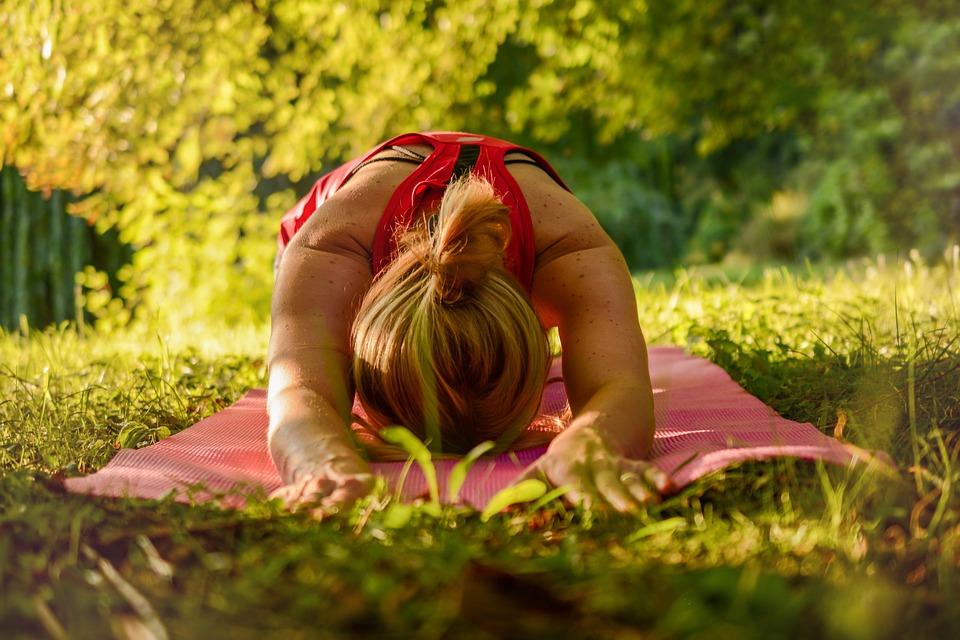 yoga posture de l'enfant