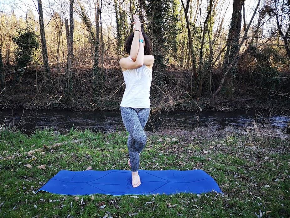 Tapis de yoga YOGOM, Posture de l'aigle