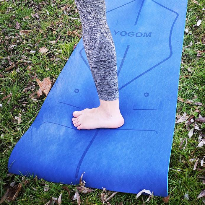 Tapis de yoga YOGOM, lignes bodyline