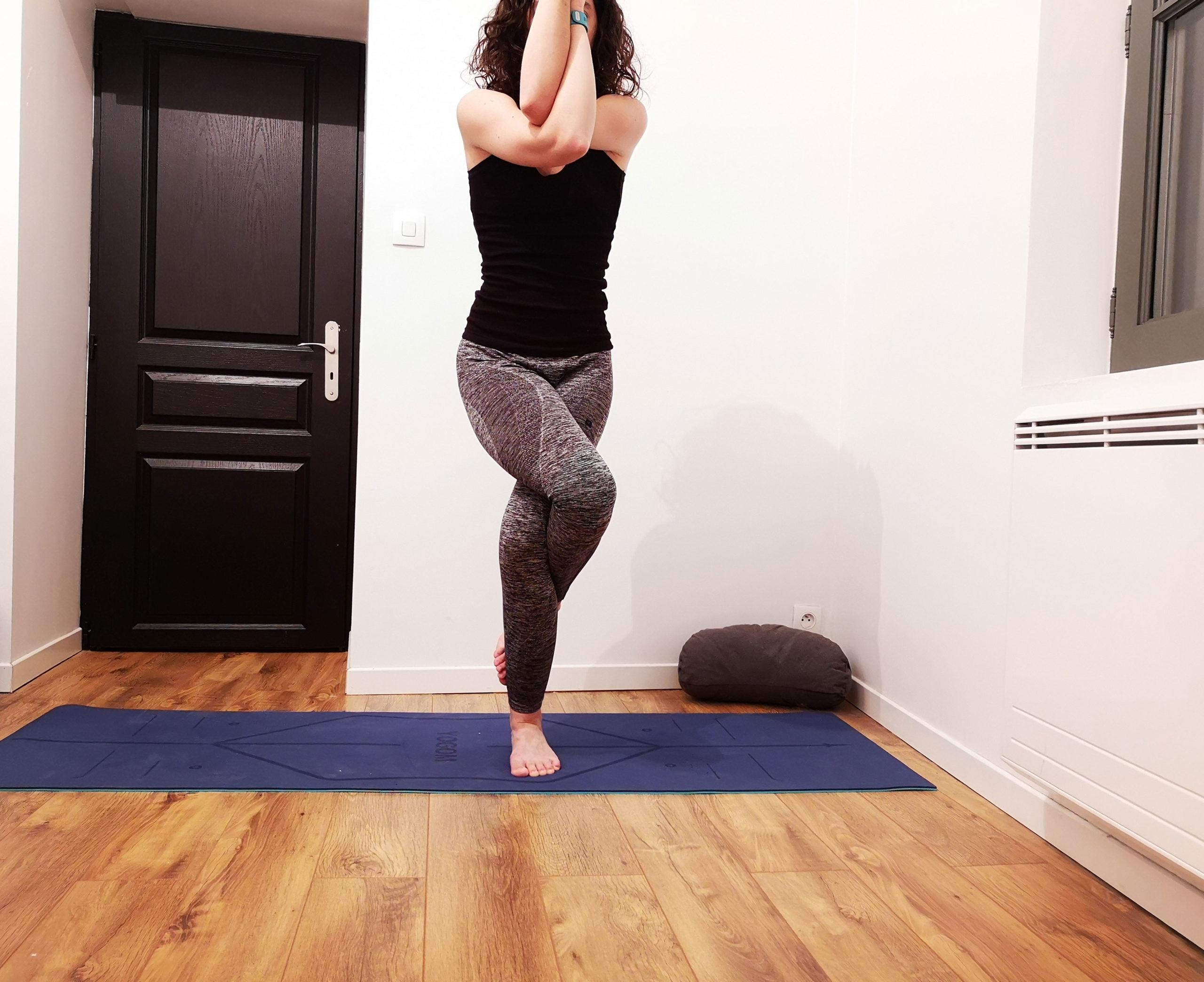 yoga posture de l'aigle