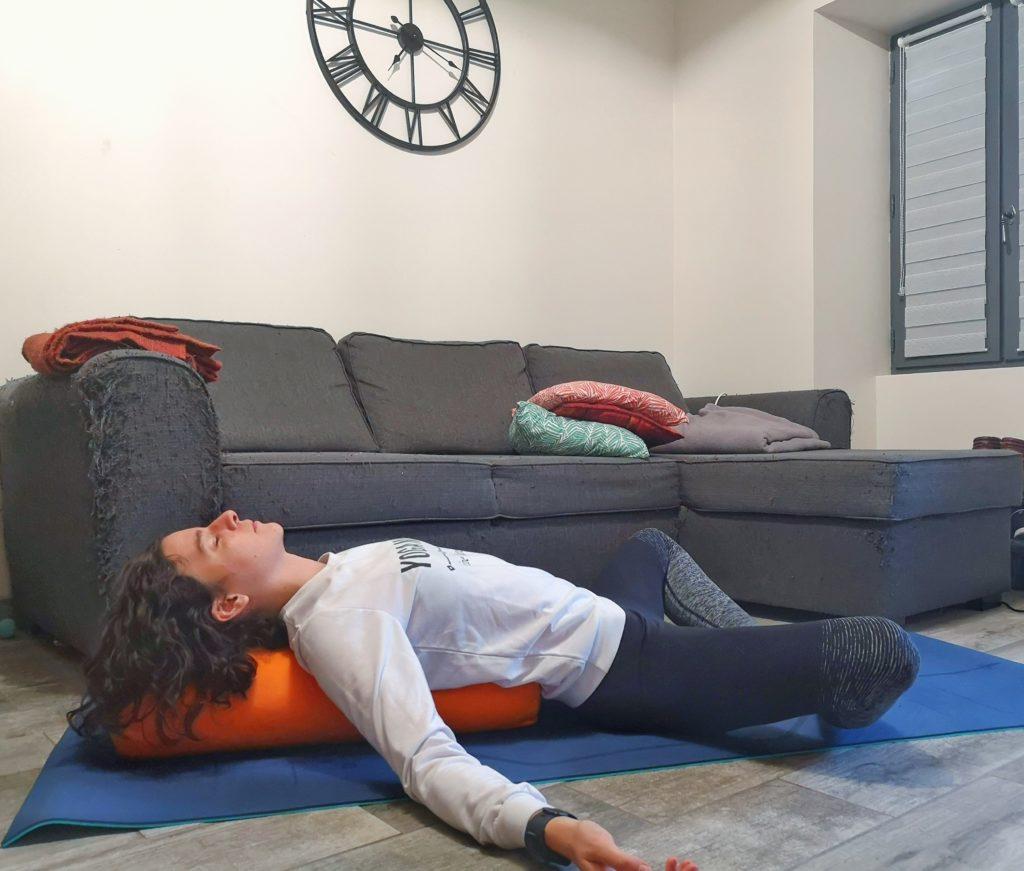 Posture du tailleur allongé