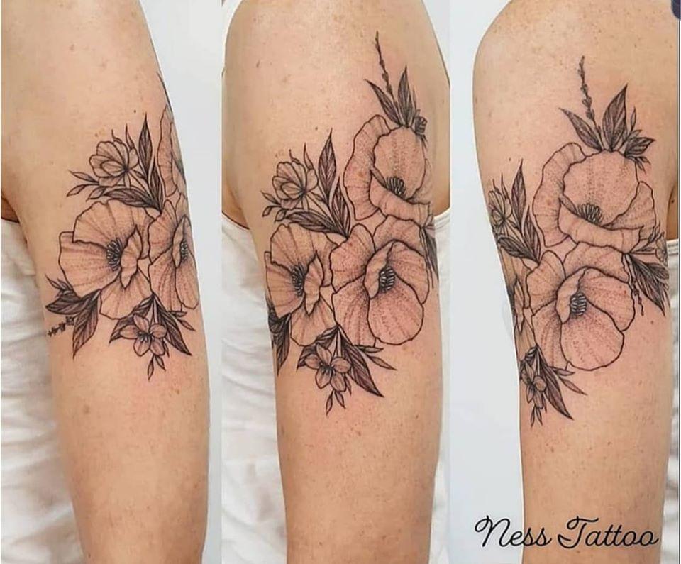 Tatouage coquelicots et fleurs des champs