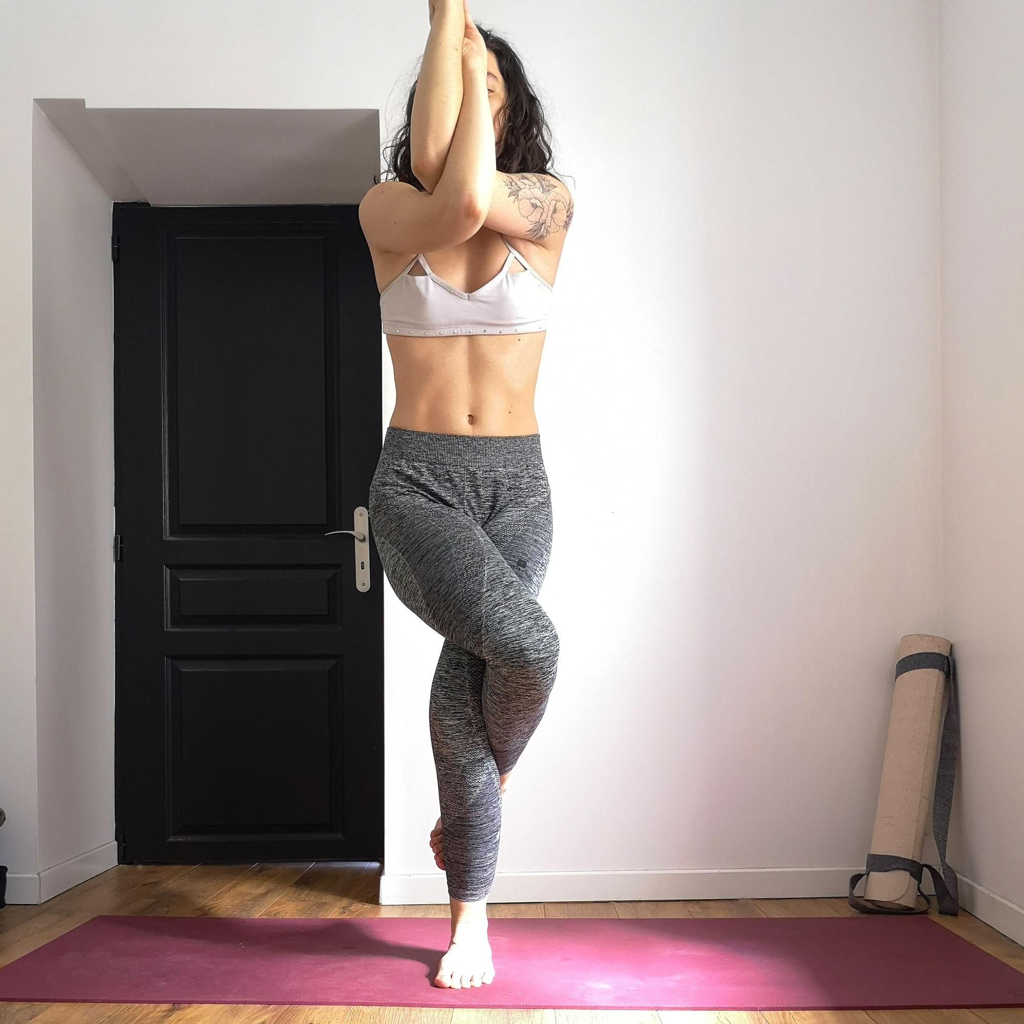 posture aigle yoga