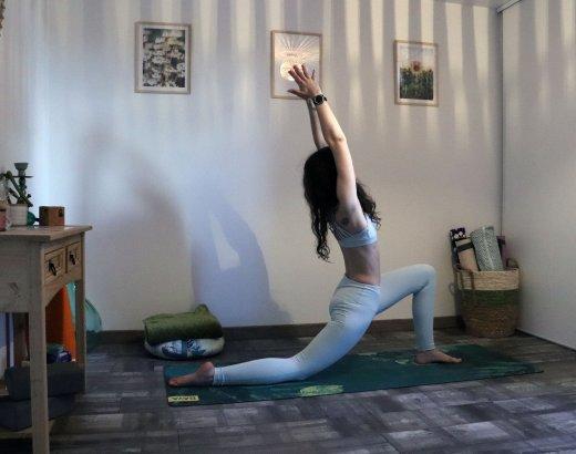 Explications des salutations à la lune en yoga